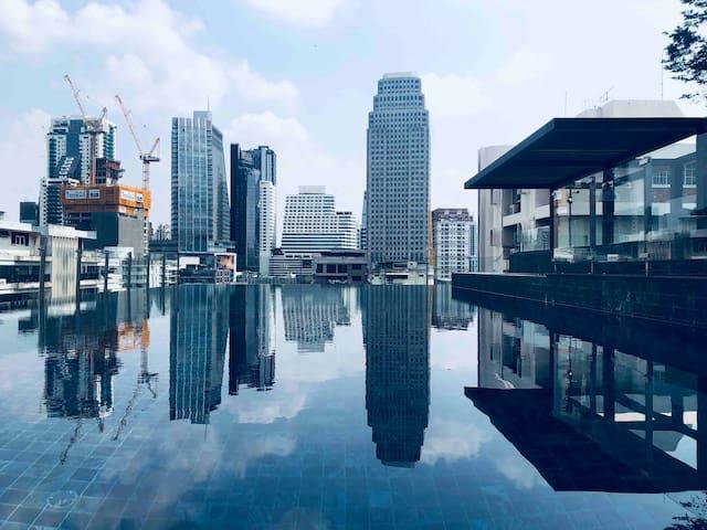 『G•31』【新房特惠】市中心/双轨地铁交汇/网红无边际泳池/毗邻CBD商圈/高档精品公寓