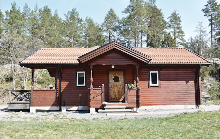 Holiday cottage with 2 bedrooms on 54m² in Gusum