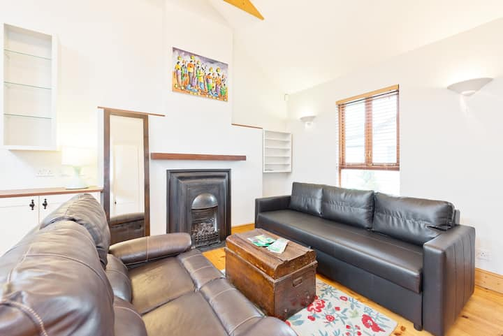 Beautiful cottage near christchurch cathedral**monthly discounts**