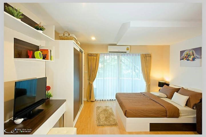 Cozy studio room near Chiang Mai Airport