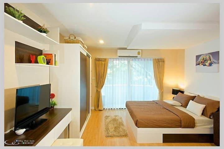 (B)Cozy Room Nearby Airport/Shopping Mall/KadMaNee