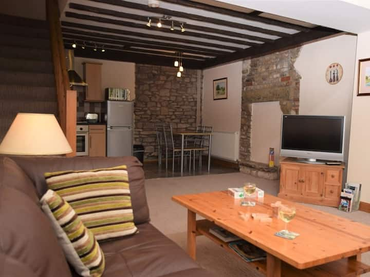 One bed stone cottage, close to moors and coast