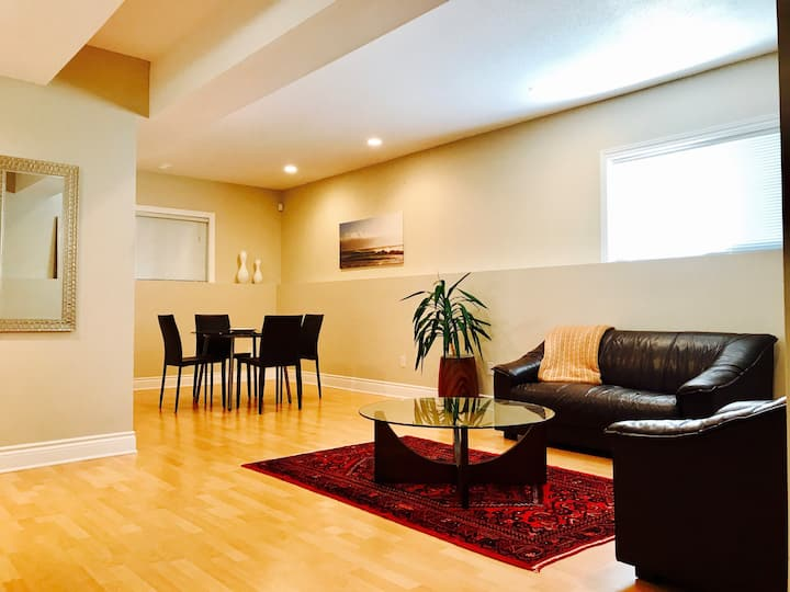 Central modern 1 bedroom in Westboro