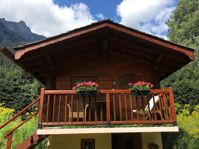 Nice chalet for 2 ideally located