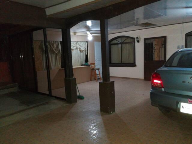 Habitación con excelente locación y comodidades