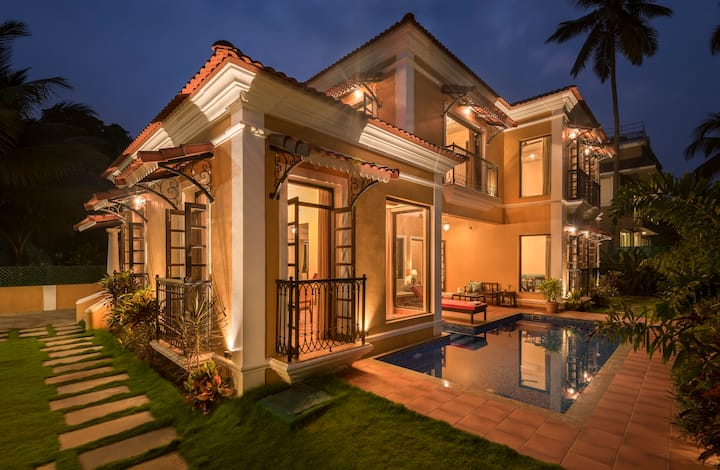 4BHK Portuguese Villa With a Caretaker in Baga
