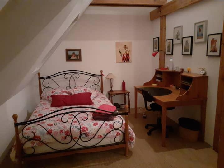 chambre n°1 à louer dans charmante villa