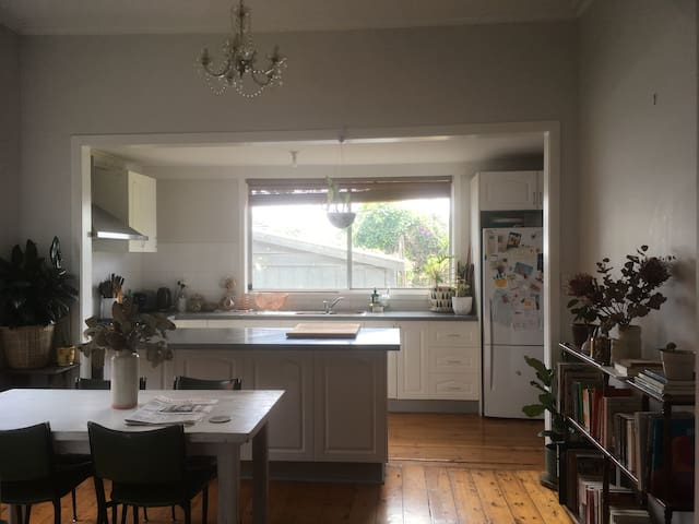 Big Sunny Room in the Heart of Northcote