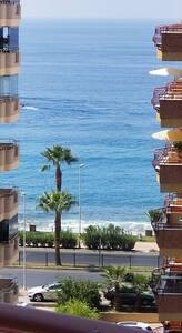 Beautiful Seaside apartment, huge pool and Seaview