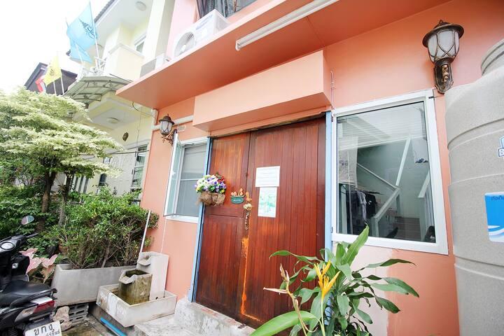 Budsaba Town House 36/1 huahin Thailand