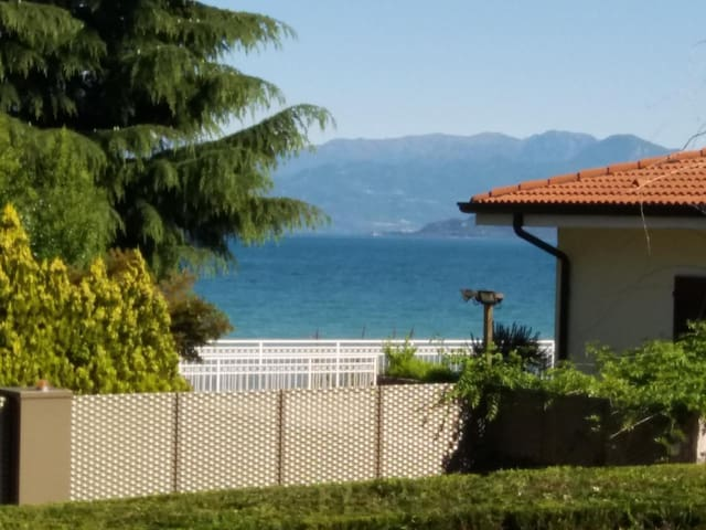 "Apartment ""P-21"" right on the lake, about 60 sqm, with terrace and private jetty"