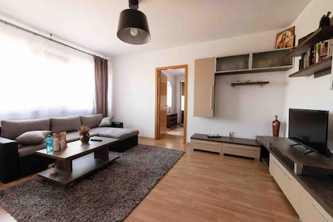 Moderno apartamento cerca de Palas