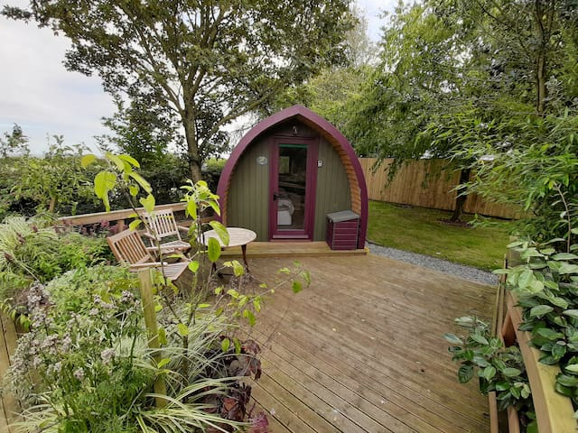 Seaways Glamping, English Oak