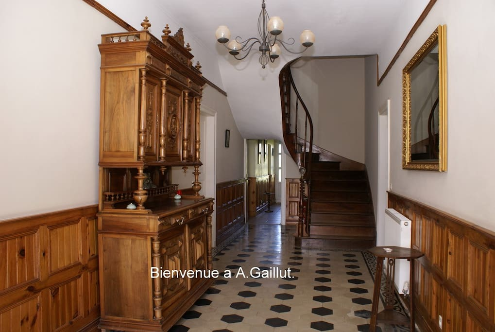 Entrance hall to Maison