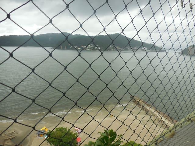 Em frente ao mar. - São Vicente - Daire