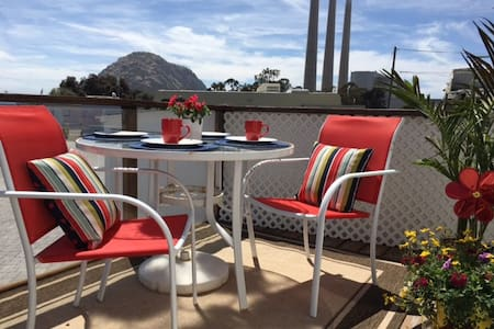 Travel Trailer by the Sea - Morro Bay