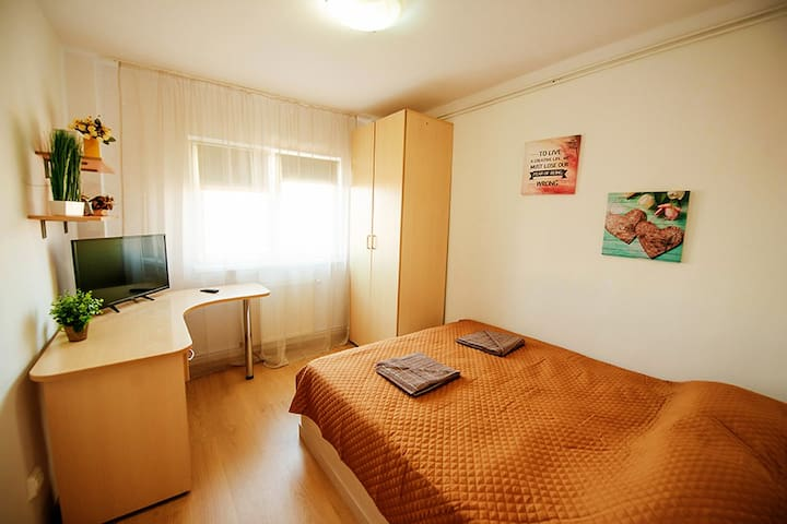 Aurel Vlaicu apartment – bedroom4