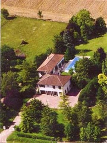 Luxury Gîte for 4 with Private Pool - Saint-Séverin - Pis