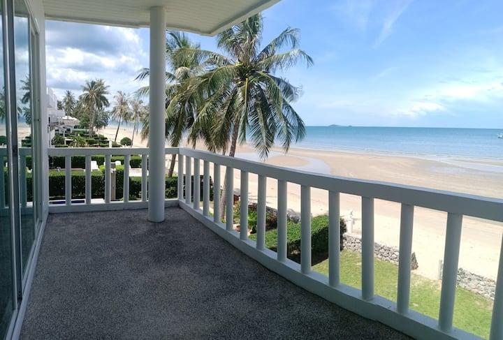 Huai Yang Beachfront Villa Aruna VA10