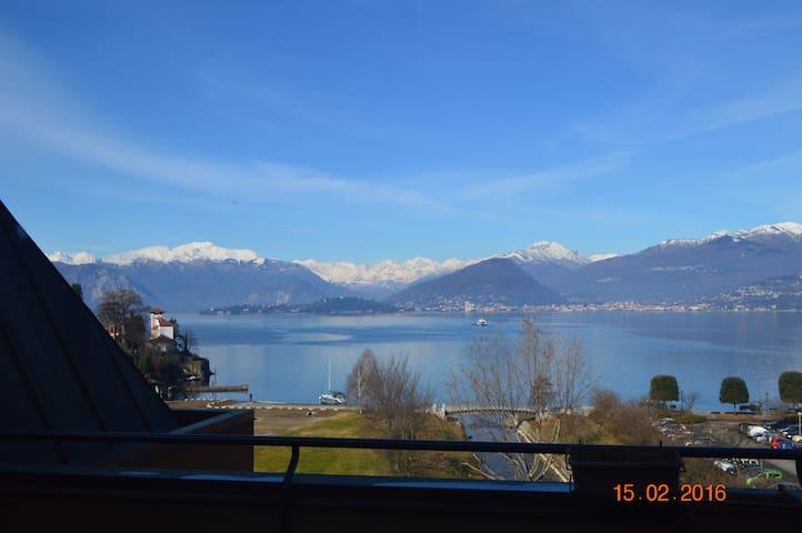 Lake View,2 bedrooms +Big living (+dining) room - Laveno-Mombello - Apartemen