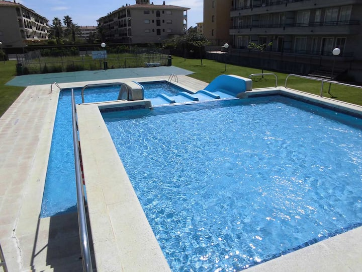 BP 209: Apartamento con piscina con toboganes y Wifi gratuito