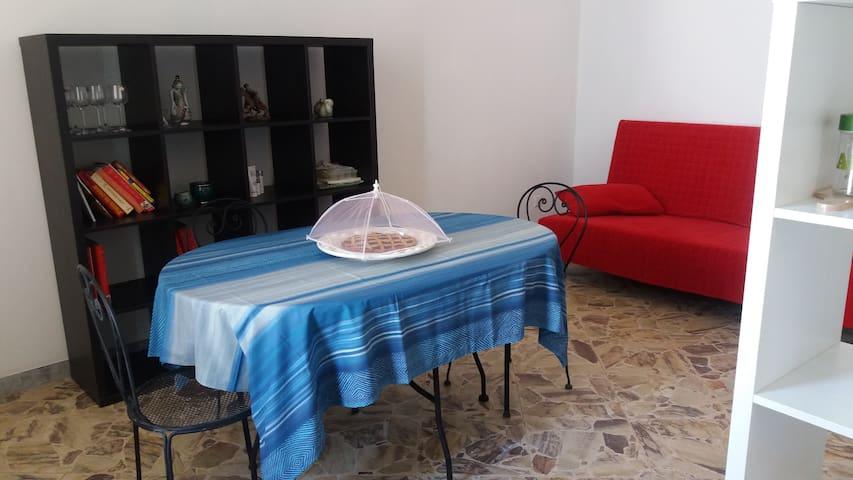 Casa Vacanze a pochi metri dal mare - Mola di Bari - Huoneisto