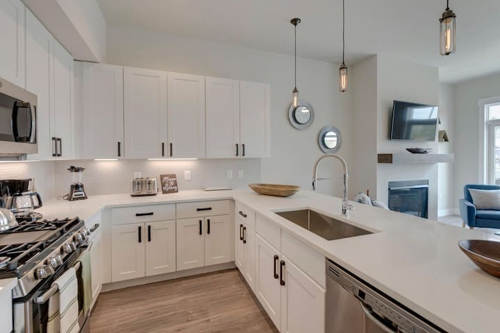 Fully equipped kitchen with upgraded appliances and plenty of prep space for the chef in your group