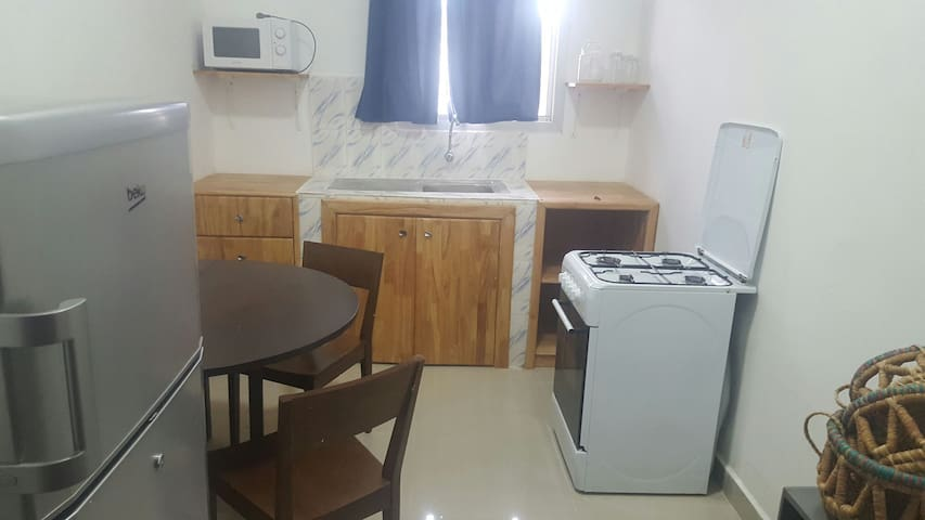 Fully equiped studio apartment - Monrovia