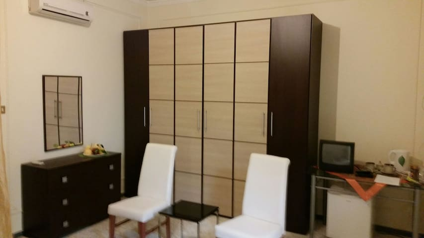 Suite a 7 km daMilazzo,stanza  matrimoniale,bagno - Torregrotta - Apartment