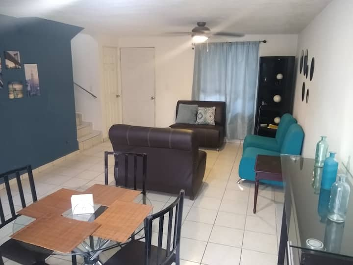 3 Rooms House, full equipped near to the Airport