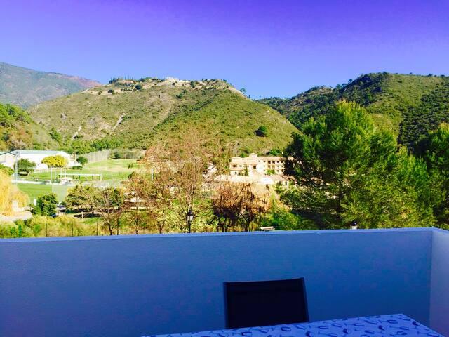 Ático con vistas en Benahavís 2 habitaciones