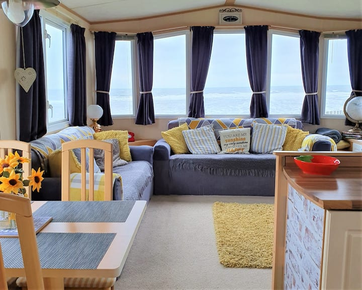 Caravan with sea views on the Northumberland Coast