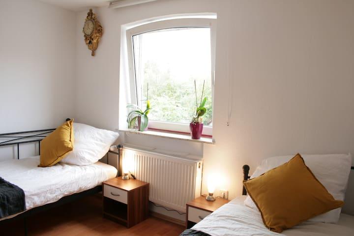 Room 3 - Gemütliches Privatzimmer in ruhiger Lage