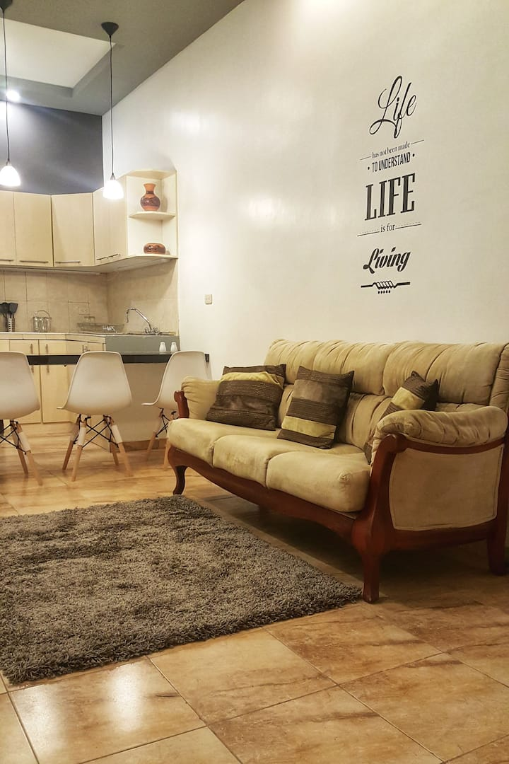 Modern, cozy and quiet apartment in downtown Loja