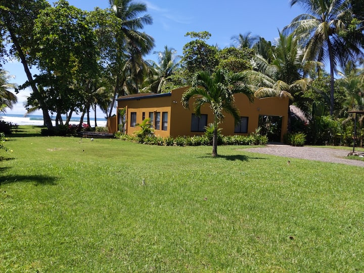 Casa SOFIA-Magnificent Beach Front Home-Great Area