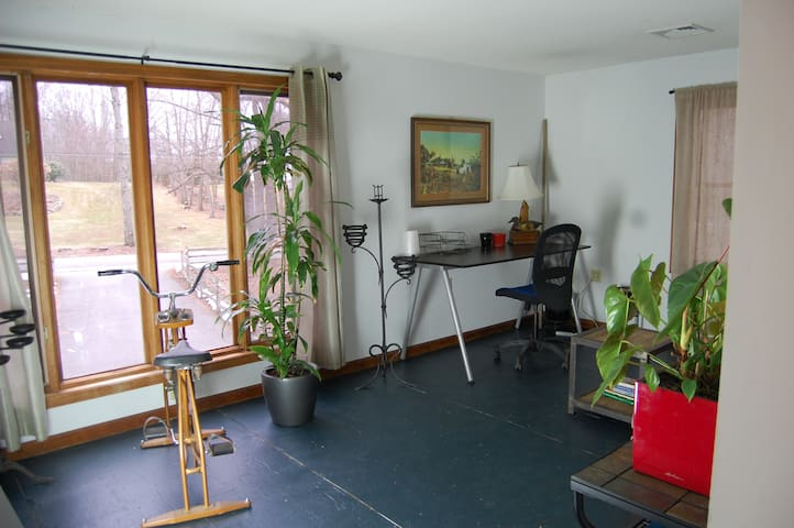 Pomfret One Bedroom Apartment on Wrights Crossing