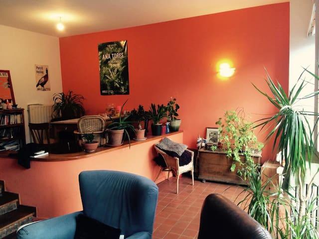 Chambre calme dans charmante maison - Forest - Ev