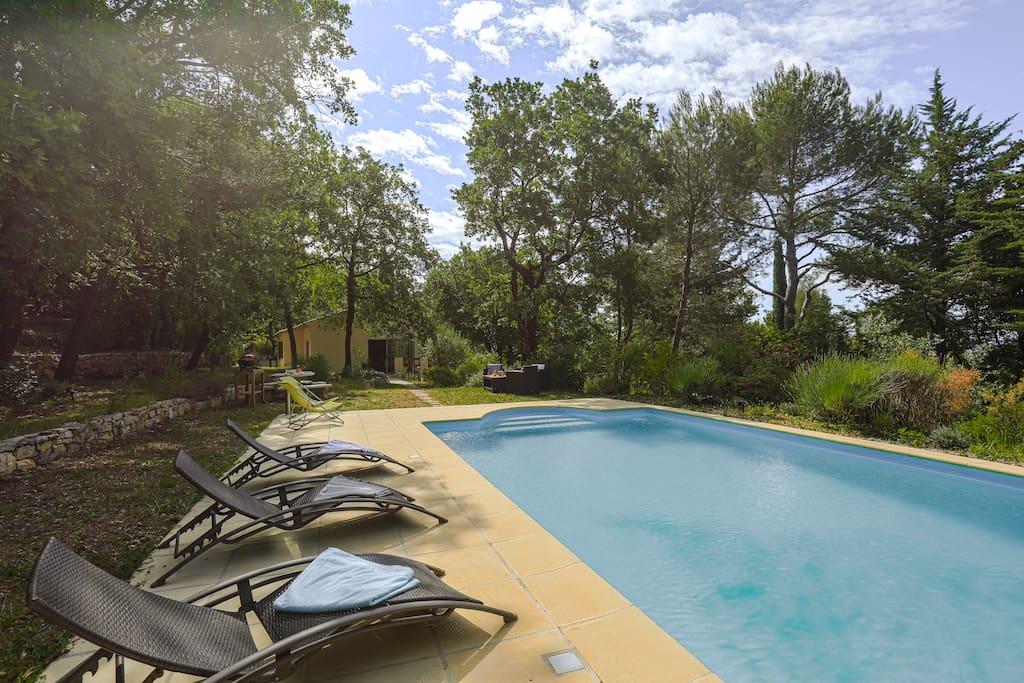 Villa moderne avec piscine priv e en pleine nature - Location cote d azur avec piscine ...