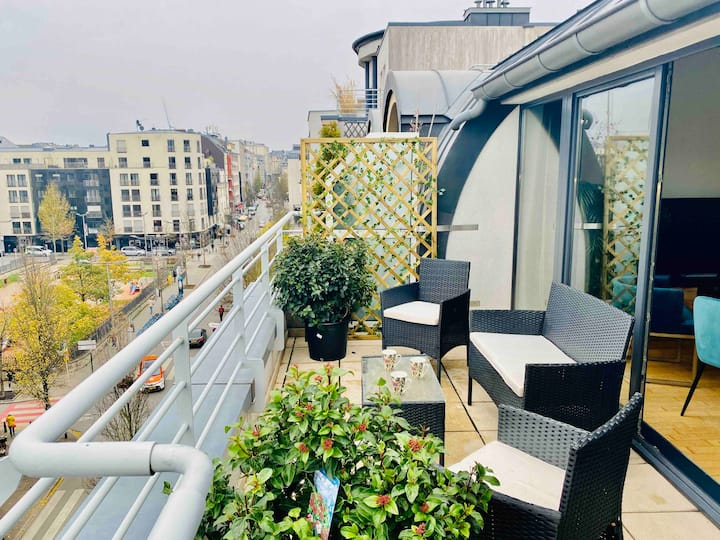 Luxury Green Penthouse City Center Terrace/Parking