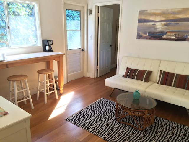 Private Entry Suite in Olde Del Mar - Del Mar - Apartament