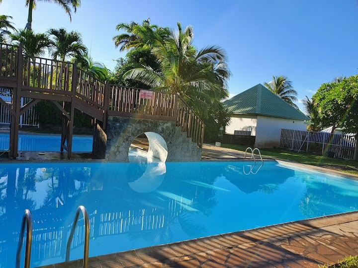 Appartement calme avec piscine Saline les Bains