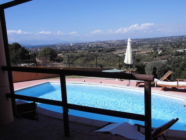 Villa Fiori panoramica con piscina privata