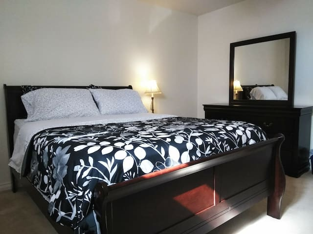 Your private room comes with a brand new pillow top mattress. All the furniture in the room is brand new. Your in room TV has; Netflix, Disney Plus, and Spectrum Cable App (basic), already installed.