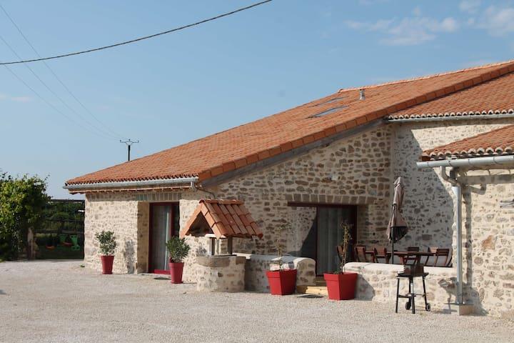 Gite Le marronnier - Parthenay - 10 personnes