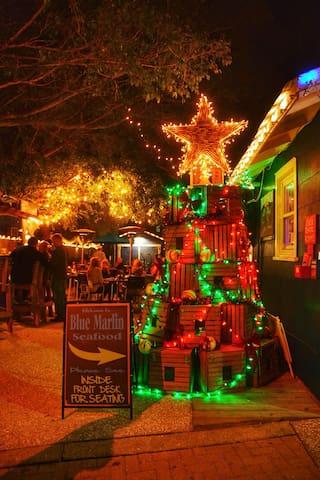 Christmas on Bridge Street