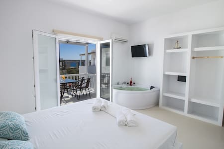 COLOSSEO STUDIOS, two rooms apartment,on the beach - Agios Prokopios