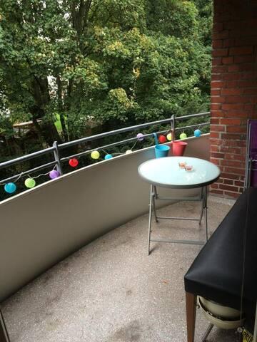 Schöne zentrale Wohnung - Nice central apartment - Hamburgo - Apartamento