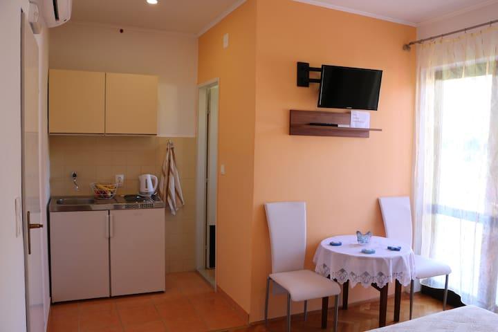 Apartments Milatic Boris