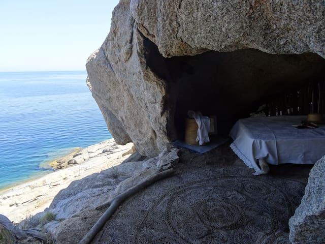 closdumouflon  grotte des naufragés - Calvi