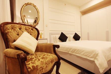 Apartment located in Heart of Hanoi